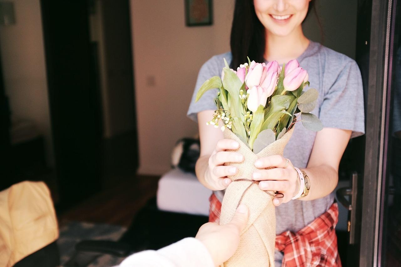 cadouri dama - incepe cu o floare!!!