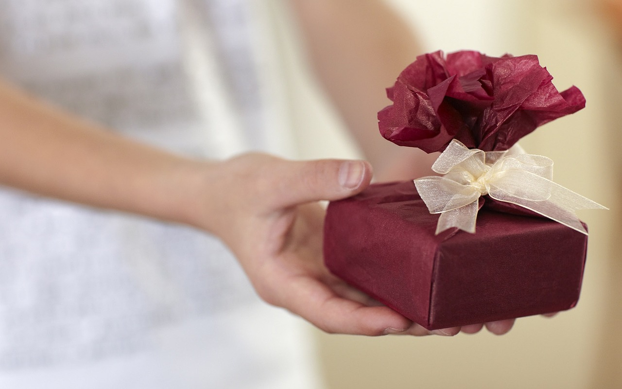 cadouri Craciun deosebite barbati si femei