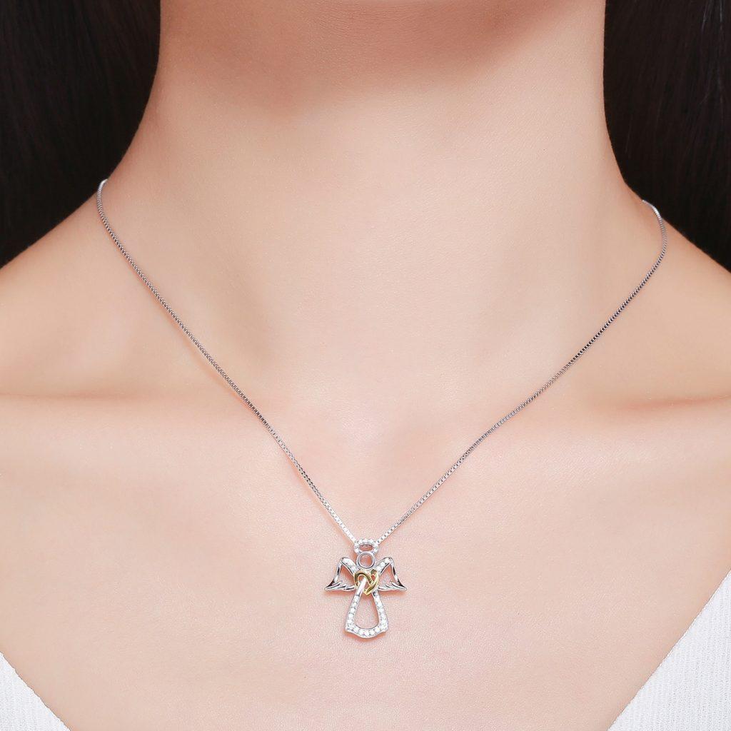bijuteriile au incarcatura simbolica- colier cu inger